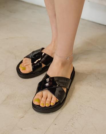 X-strap shoes