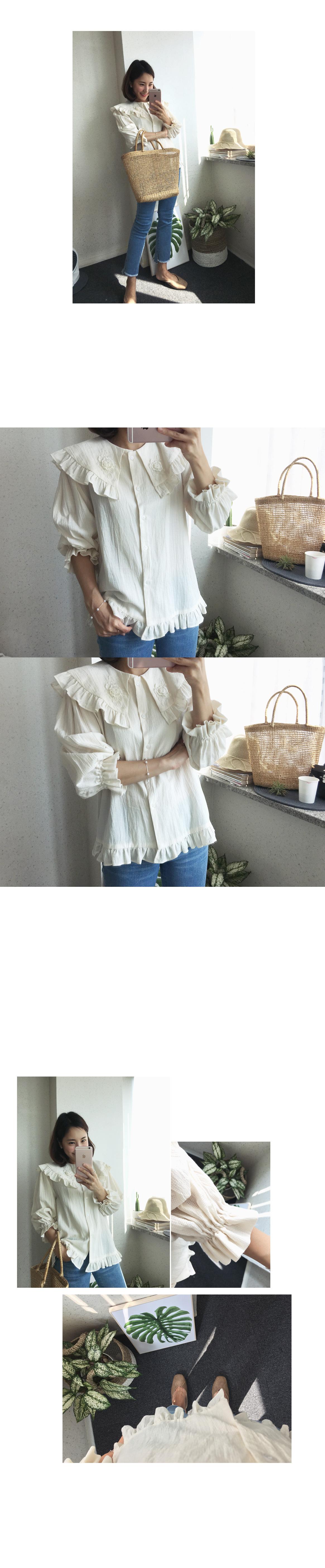 Beautiful flower blouse (2 colors)