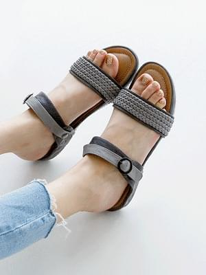 Seah Sandals & Slippers