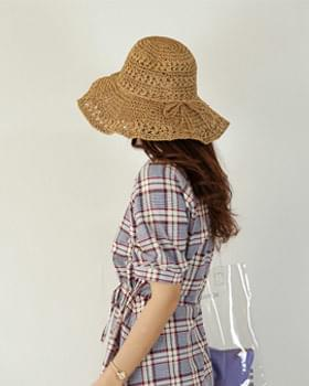 Wire ribbon straw hat
