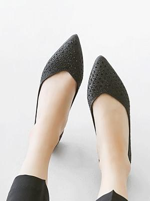North Tee Punching Flat Shoes 1cm