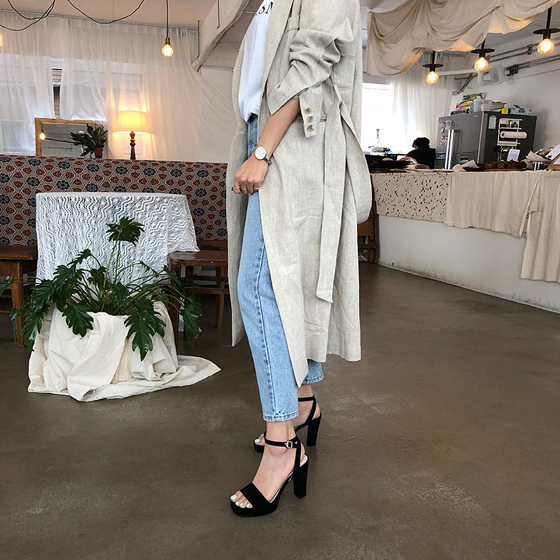 Criss-crossed linen robe