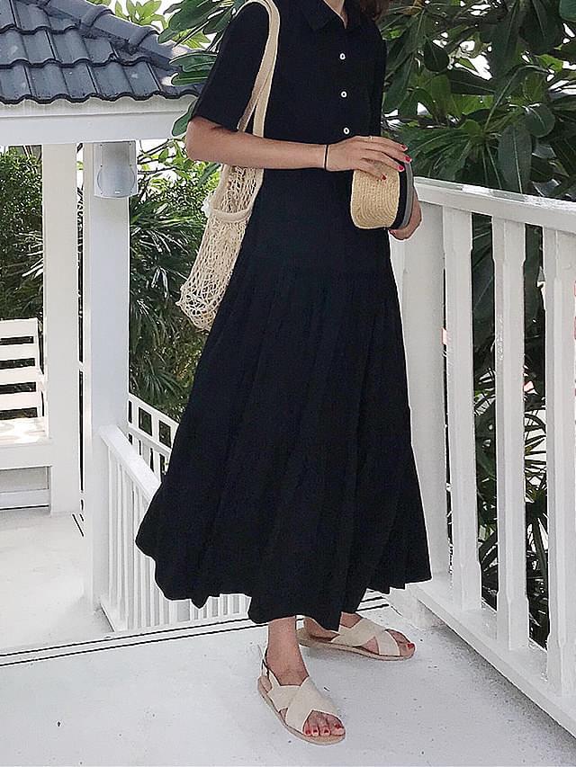 Short sleeve black collar shirt dress