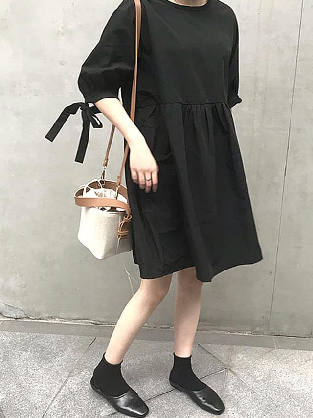 Sleeve Ribbon Point Black Midi Dress