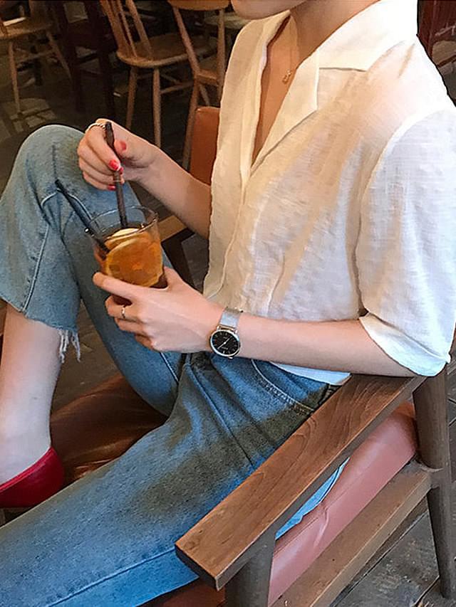 V necked short-sleeved summer collar shirt