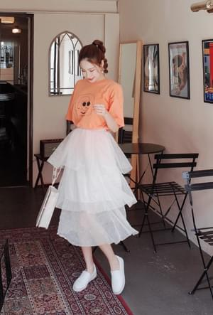 A flapping skirt