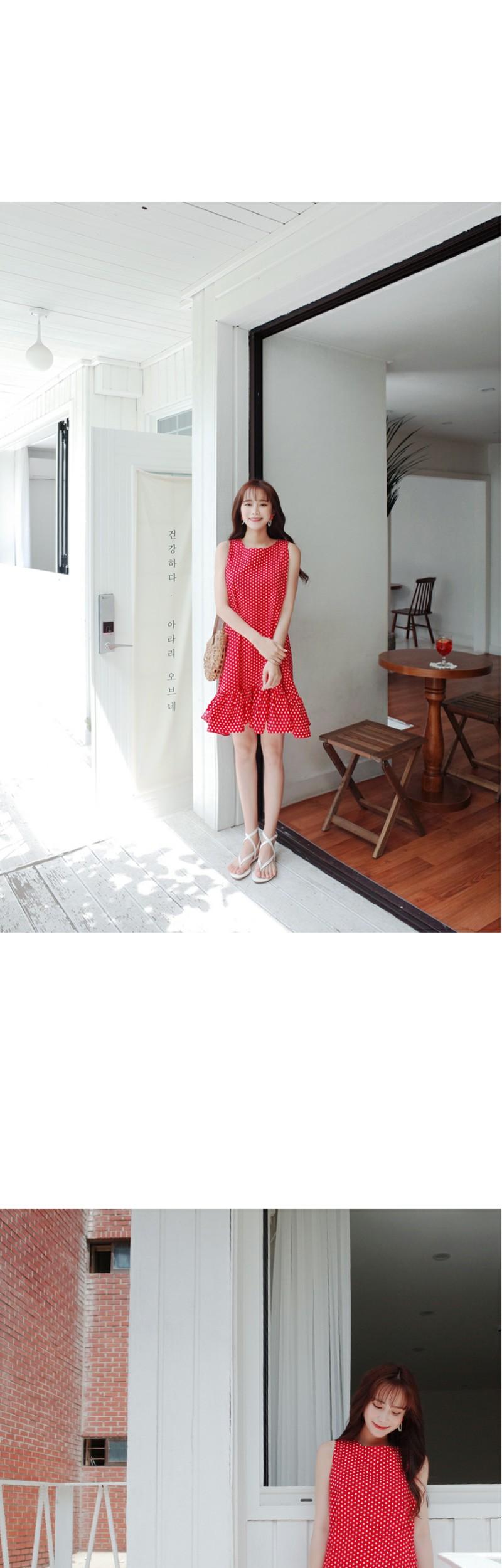 Dot dress with ribbon