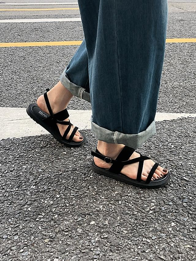 Retro suede strap sandals