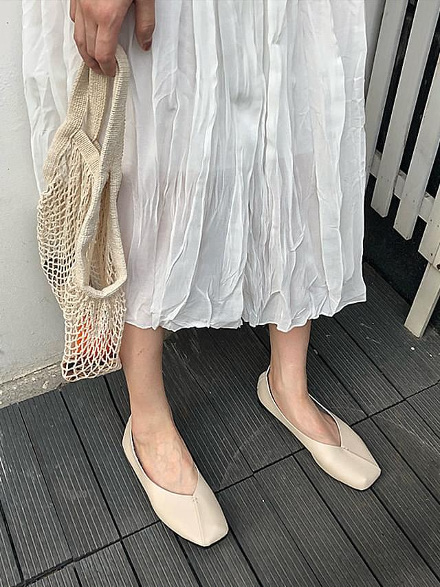 Julia Malang V-Flat Shoes