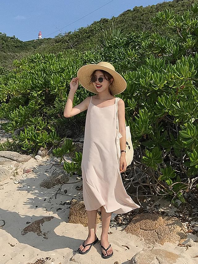 Robbe Beach V Neck Dress