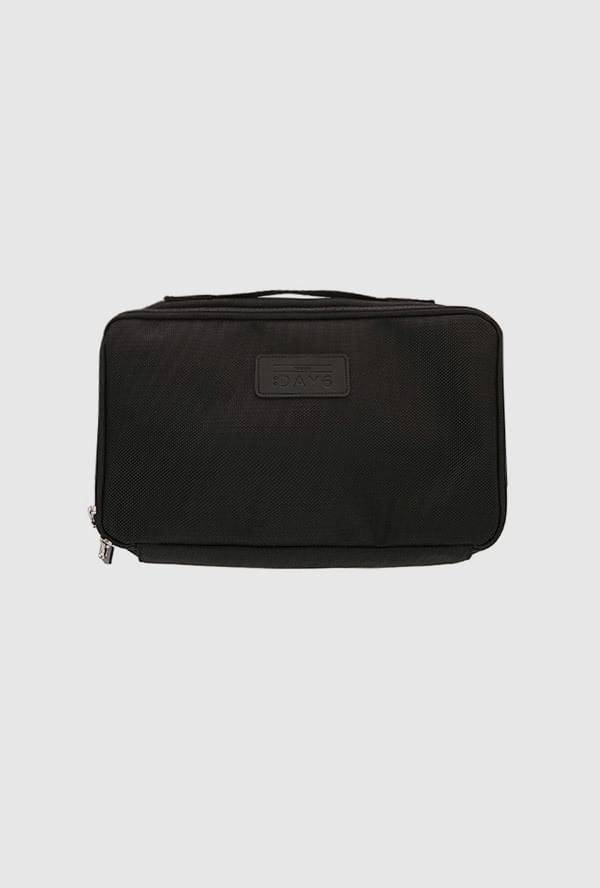 DAY6 multi-pouch 手拿包