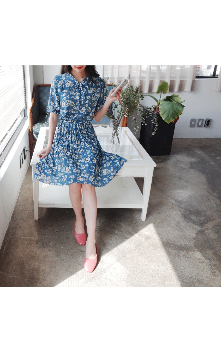 One-piece dress for the sky