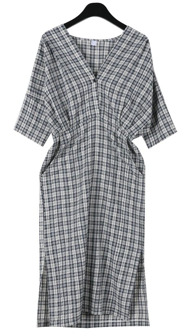 Ladyish deep check dress
