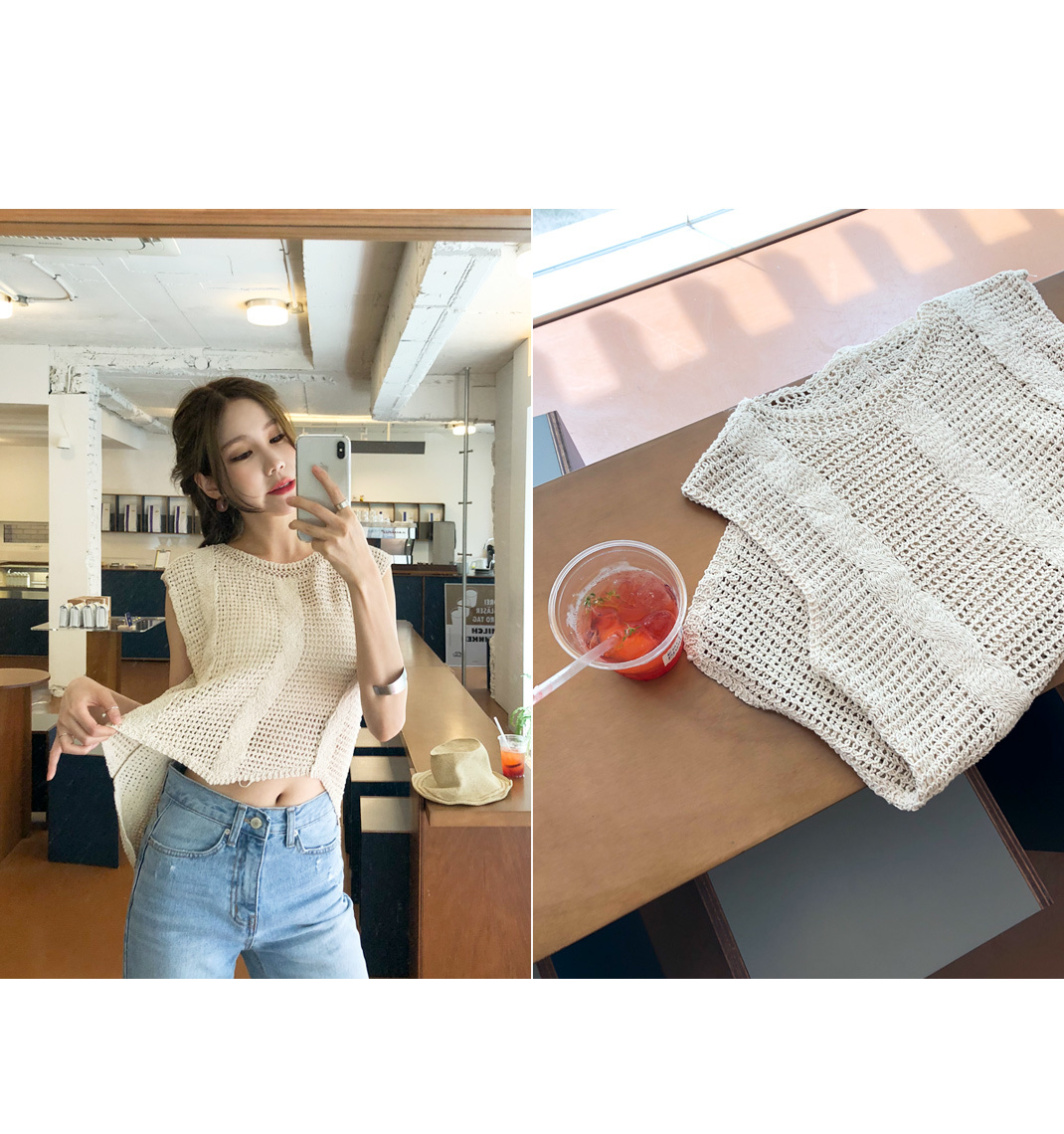 Charming knit top