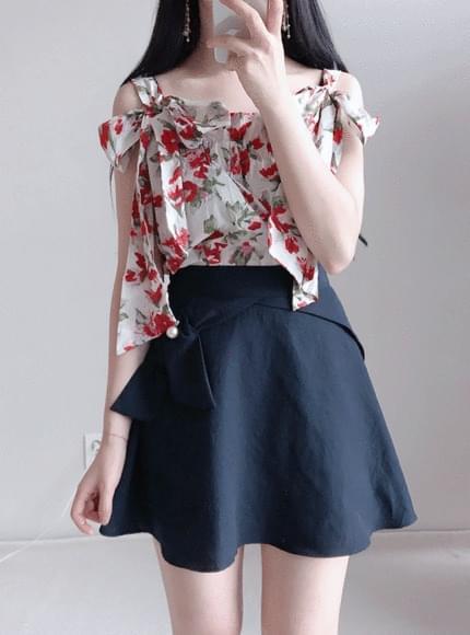 Rosemont floral ribbon bl