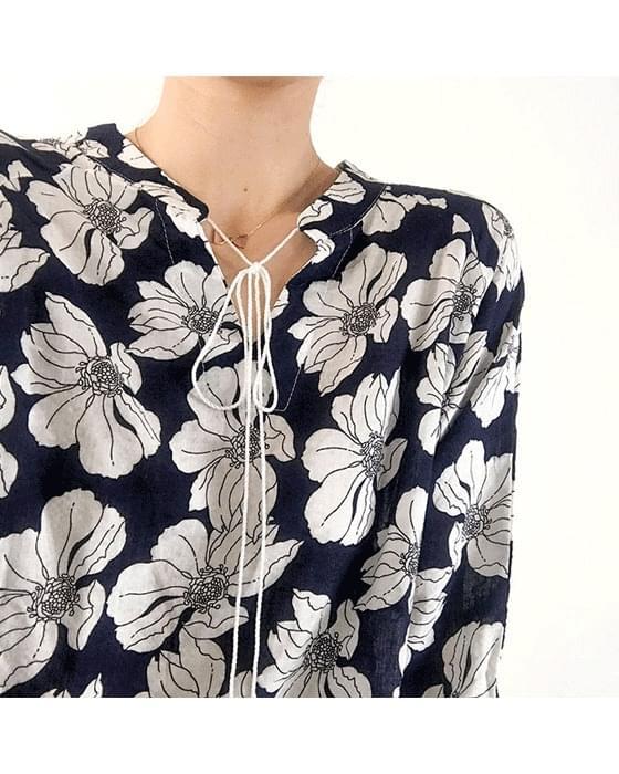 Half open flower tester blouse