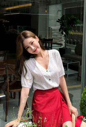 Pure dot blouse