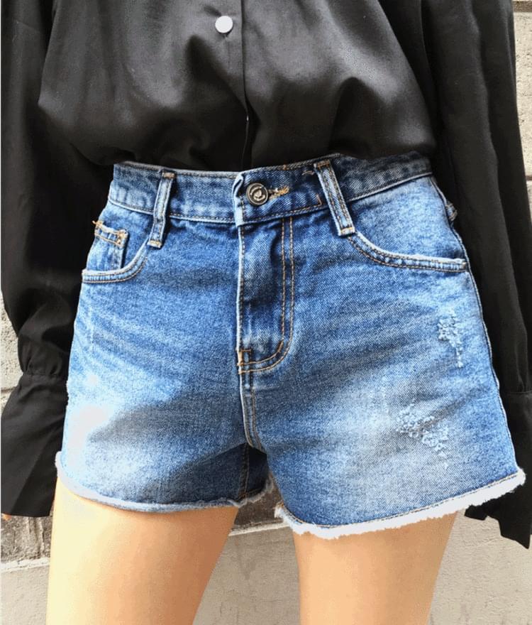 8002 Level Shorts