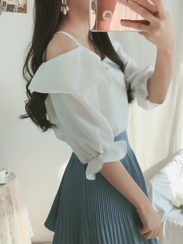 Lily Off Blouse