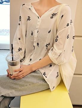 Bean button flower blouse_B (size : free)