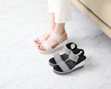 Robin Bending Strap Wedge Hill Sandals