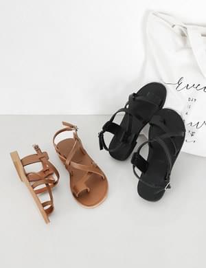Crushstrap sandals