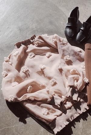 러블리꽃 블라우스