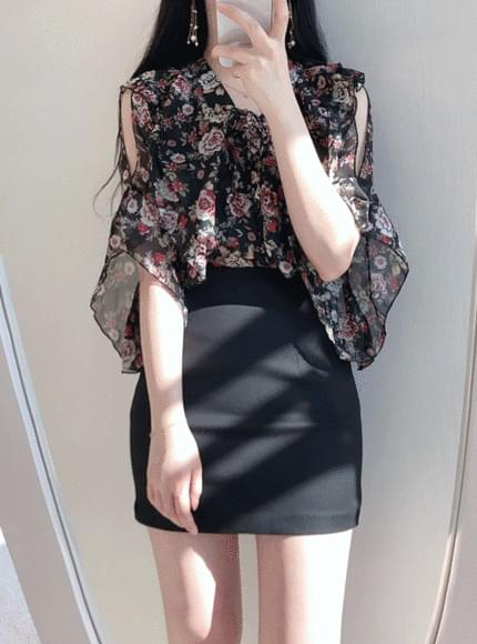 Flower Eyelet Off blouse