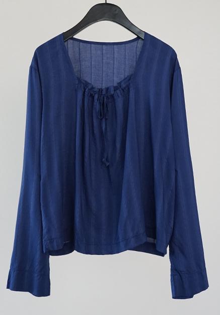 square-neck shirring blouse (blue stripe)