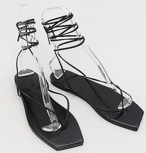 Tie knotting sandal