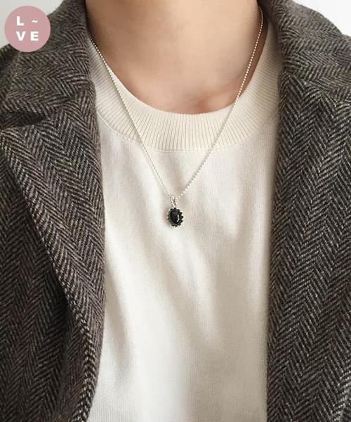 (made lavenir) onyx necklace