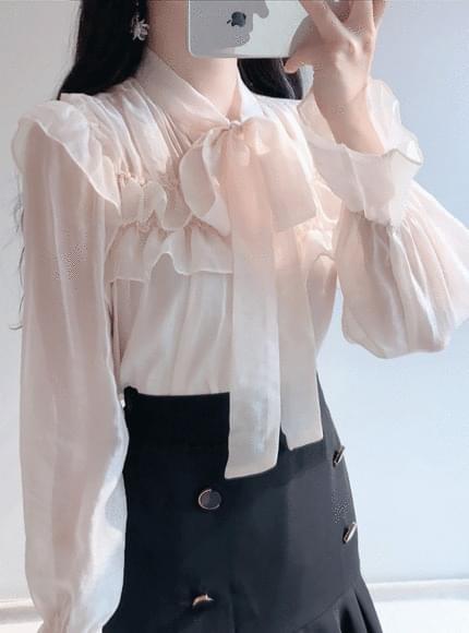 Nudy see-through ribbon blouse