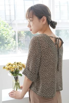 Overlap printing blouse