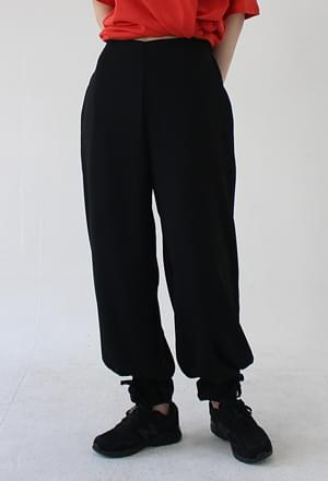 Strap jogger pants