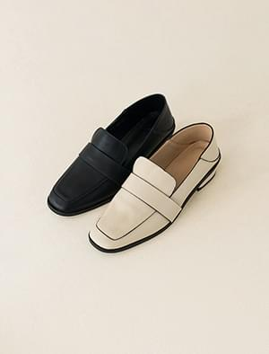 two way classic loafer