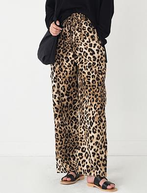 straight fit leopard pattern banding pants
