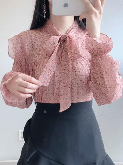 Sweetie flower ribbon blouse