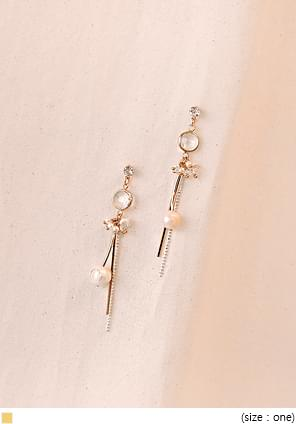 GOLD STICK PEARL EARRING