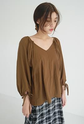 Ladyish string blouse