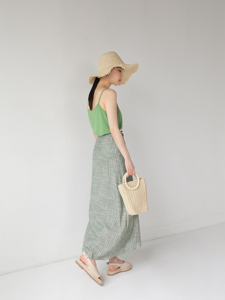 angulate flat rattan bag