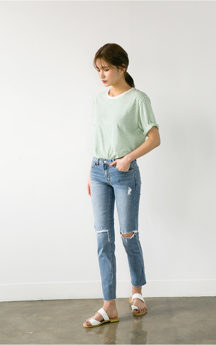 knee slit straight jean