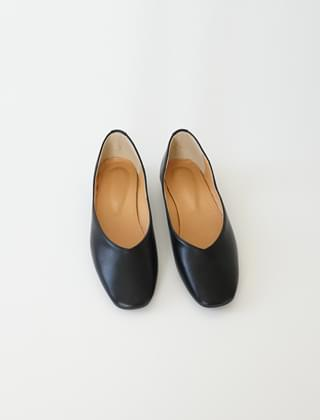 V-line smooth texture shoes (3colors)
