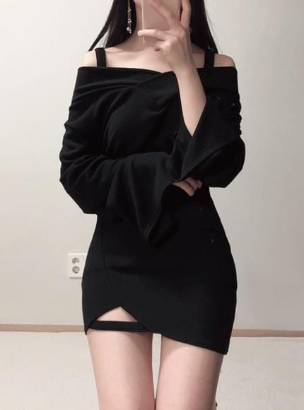 ♥ Off-shoulder knit discount + super discount mini sk set