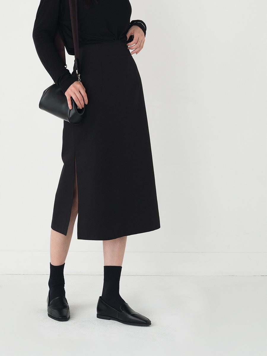 slit point slim long skirt