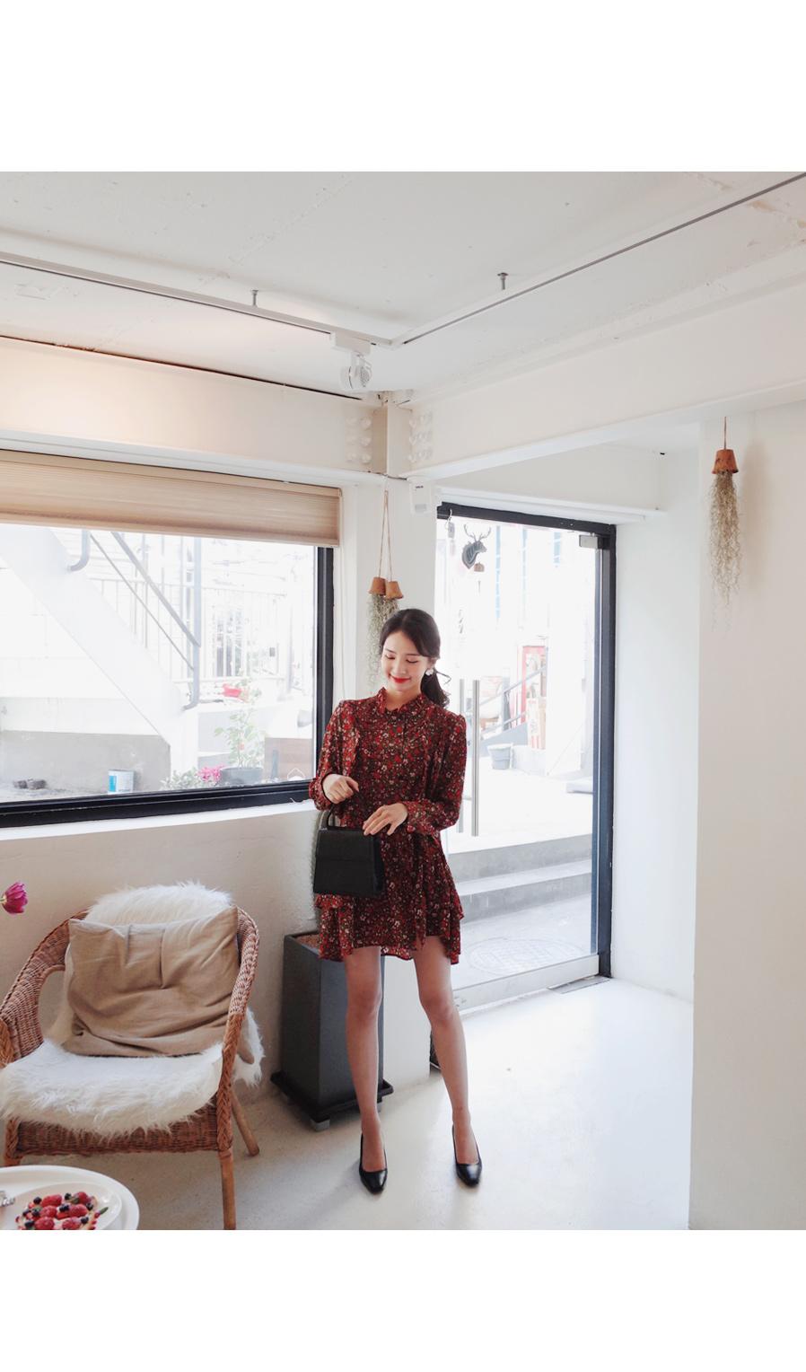 Minimal flower garden dress