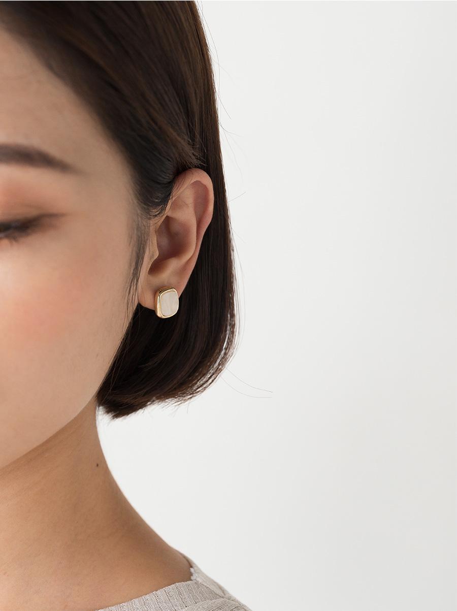 vintage stone earring