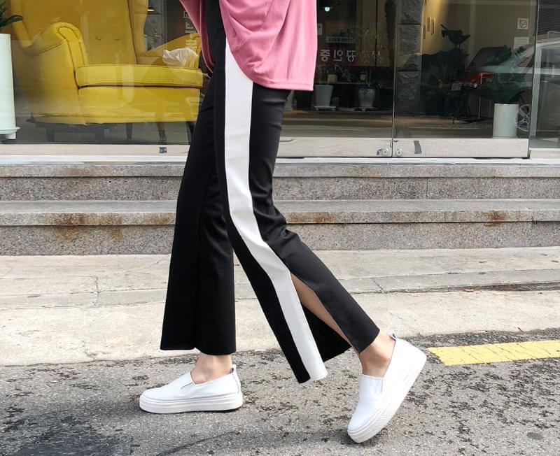 Pants suit color