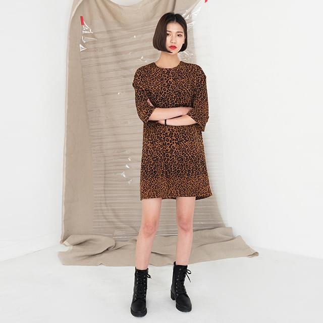 loose fit 7-length sleeve leopard ops