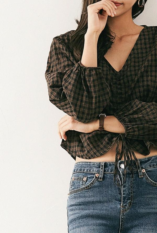 Windy wrinkle check blouse