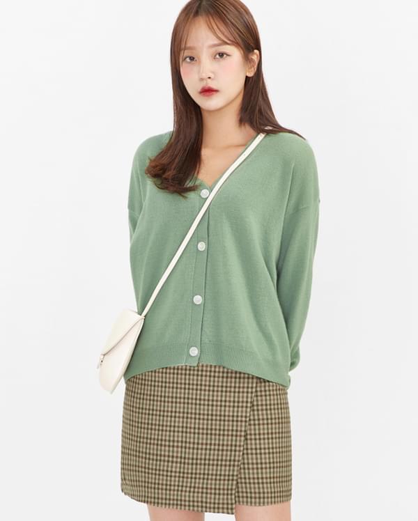 everyday wool v-neck cardigan